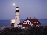 Cape Elizabeth Lighthouse with Full Moon, Portland, Maine, USA Papier Photo par Walter Bibikow