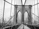 Brooklyn Bridge, 1948, New York, USA Papier Photo par Peter Bennett