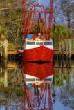 Red Shrimp Boat Docked in Harbor, Apalachicola, Florida, USA Papier Photo par Joanne Wells
