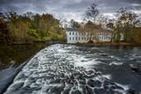 Walker's Mill on the Brandywine River Papier Photo par Michael Melford