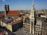 Neues Rathaus and the Frauenkirche  Munich  Bavaria  Germany