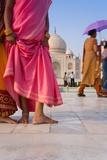 Visitors in Front of the Taj Mahal  UNESCO World Heritage Site  Agra  Uttar Pradesh  India  Asia