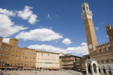 Piazza Del Campo with Palazzo Pubblico  Sienna  Tuscany  Italy