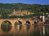 Heidelberg Castle  Alte Brucke and the River Neckar  Heidelberg  Baden Wurttemberg  Germany