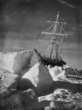 Endurance Trapped in Ice Papier Photo par Frank Hurley