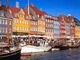 Waterfront District, Nyhavn, Copenhagen, Denmark, Scandinavia, Europe Papier Photo par Gavin Hellier