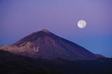 Full Moon over Teide Volcano at Sunrise  Teide Np  Tenerife  Canary Islands  Spain  December 2008