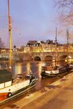 Ships on River Seine and Pont Neuf Bridge  Paris  Ile De France  France  Europe