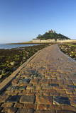 Causeway to St Michaels Mount  Penzance  Cornwall  England  United Kingdom  Europe