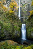 Multnomah Falls in the Columbia Gorge Scenic Area  Oregon  USA