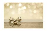 Golden Ribbon Bow with Bokeh, Christmas Decoration Reproduction d'art par Liang Zhang