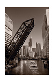 Chicago River Traffic BW