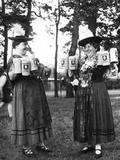 German Bar Maids Papier Photo