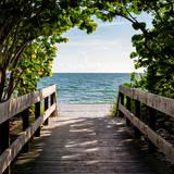 Boardwalk on the Beach Papier Photo par Philippe Hugonnard