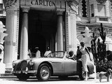 Aston Martin DB2-4 Outside the Hotel Carlton, Cannes, France, 1955 Reproduction d'art