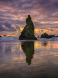 Moody Sunset at Wizard Hat  Oregon Coast