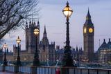 England, London, Victoria Embankment, Houses of Parliament and Big Ben Papier Photo par Walter Bibikow