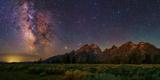 The Milky Way Shines over the Grand Teton Mountain Range Papier Photo par Babak Tafreshi