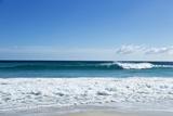 Waves Breaking at Beach Papier Photo par Norbert Schaefer