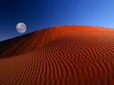 Full Moon over Red Dunes Papier Photo par Charles O'Rear