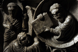 Moses Receives the Law. Baptismal Font. 12th Century. Basilica of San Frediano. Lucca Tableau sur toile