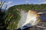 View across the Rim of Kaieteur Falls  Guyana  South America