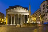 The Pantheon and Piazza Della Rotonda at Night  Rome  Lazio  Italy
