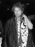 Bob Dylan at London airport 6th October 1986