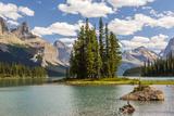 Canada  Alberta  Jasper National Park  Maligne Lake and Spirit Island