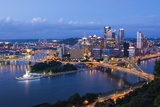 Pittsburgh, Pennsylvania, Skyline from Mt Washington of Downtown City Papier Photo par Bill Bachmann