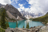 Moraine Lake and Valley of the Ten Peaks  Banff NP  Alberta  Canada