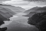 USA, Oregon, Aerial Landscape Looking West Down the Columbia Gorge Reproduction d'art par Rick A Brown