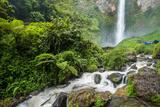 Piso Waterfall Outside Berestagi  Sumatra  Indonesia  Southeast Asia  Asia