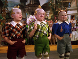 The Wizard of Oz  from Left: Jerry Maren  Harry Earles  1939