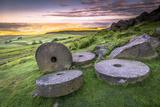 Stanage Edge Millstones at Sunrise  Peak District National Park  Derbyshire