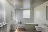 Built in Tiled Bathtub in Modern Bathroom