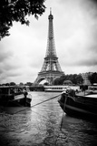 Paris sur Seine Collection - Barges along River Seine with Eiffel Tower XIII Papier Photo par Philippe Hugonnard